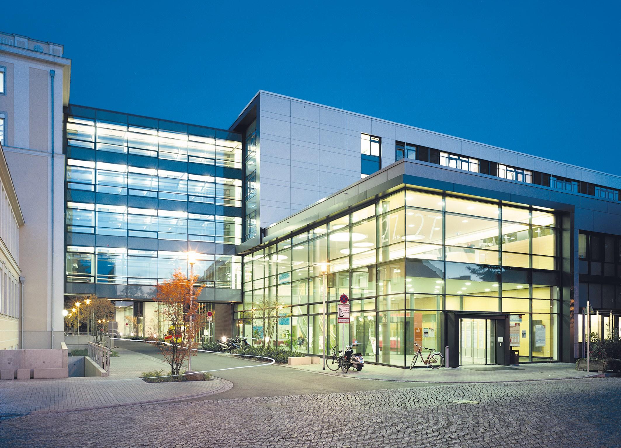 Bilanz - Uniklinik Dresden legt bei Umsatz, Ergebnis und